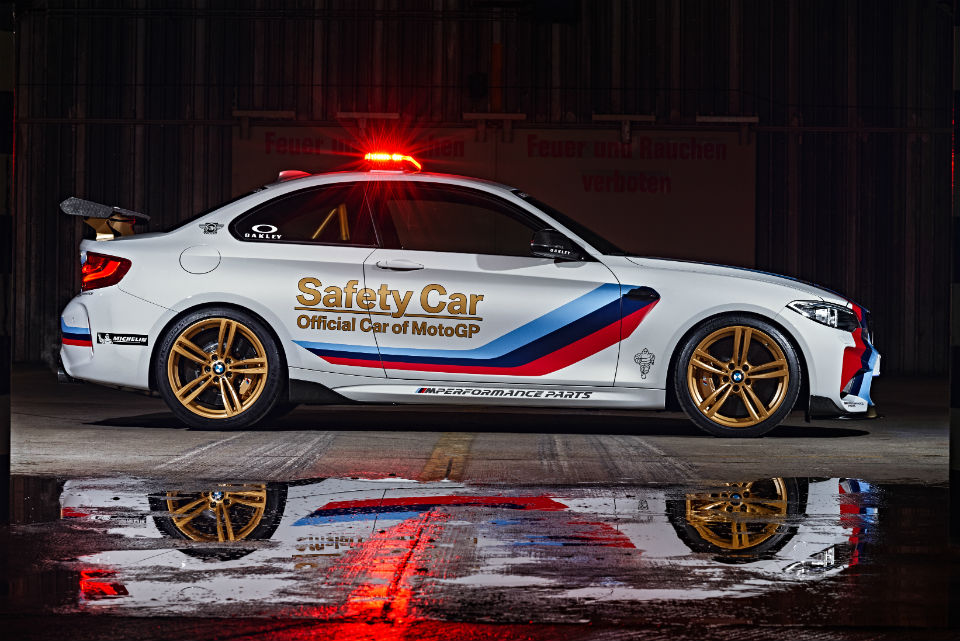 P90209219_highRes_bmw-m2-motogp-safety