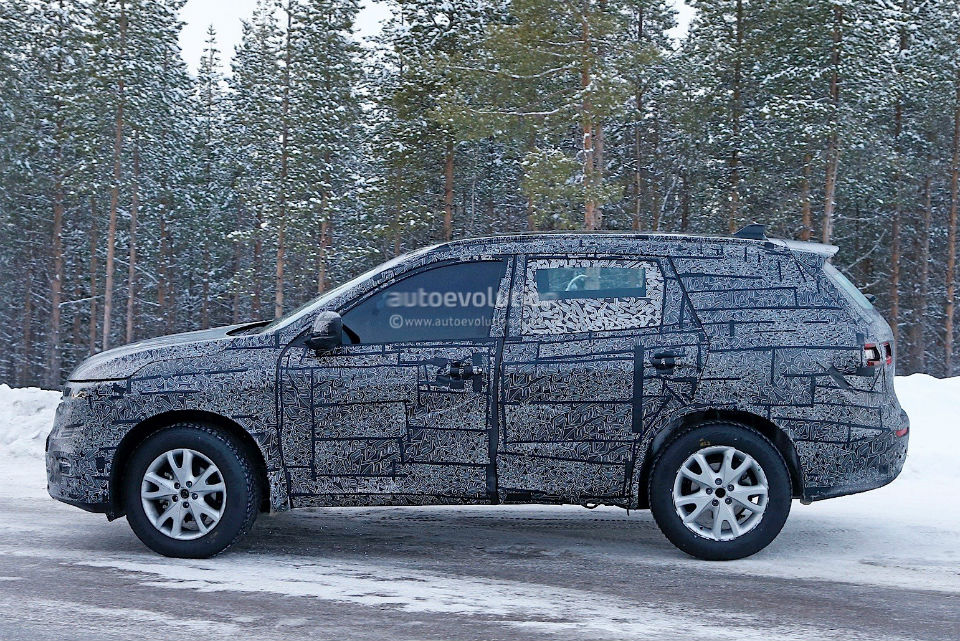 2017-renault-maxthon-koleos-successor-spied-has-talisman-written-all-over-it_6