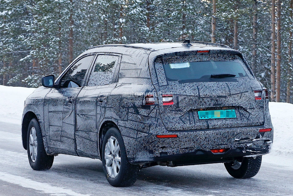 2017-renault-maxthon-koleos-successor-spied-has-talisman-written-all-over-it_9