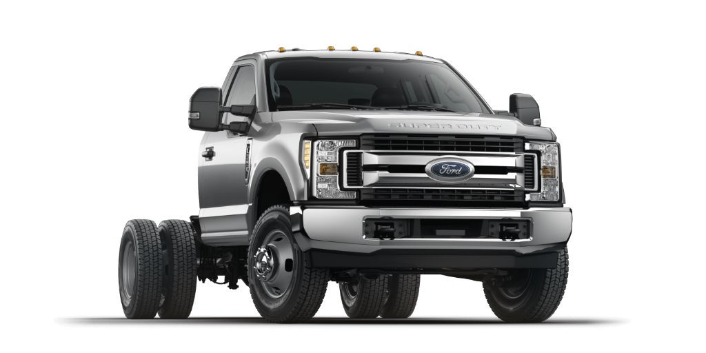 ford muestra sus nuevos camiones super duty 2017 motorbit. Black Bedroom Furniture Sets. Home Design Ideas