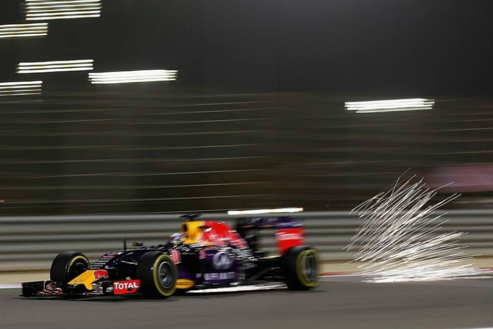 red-bull-motor-v6-turbo-1000-cv-2017-bernie_1440x655c
