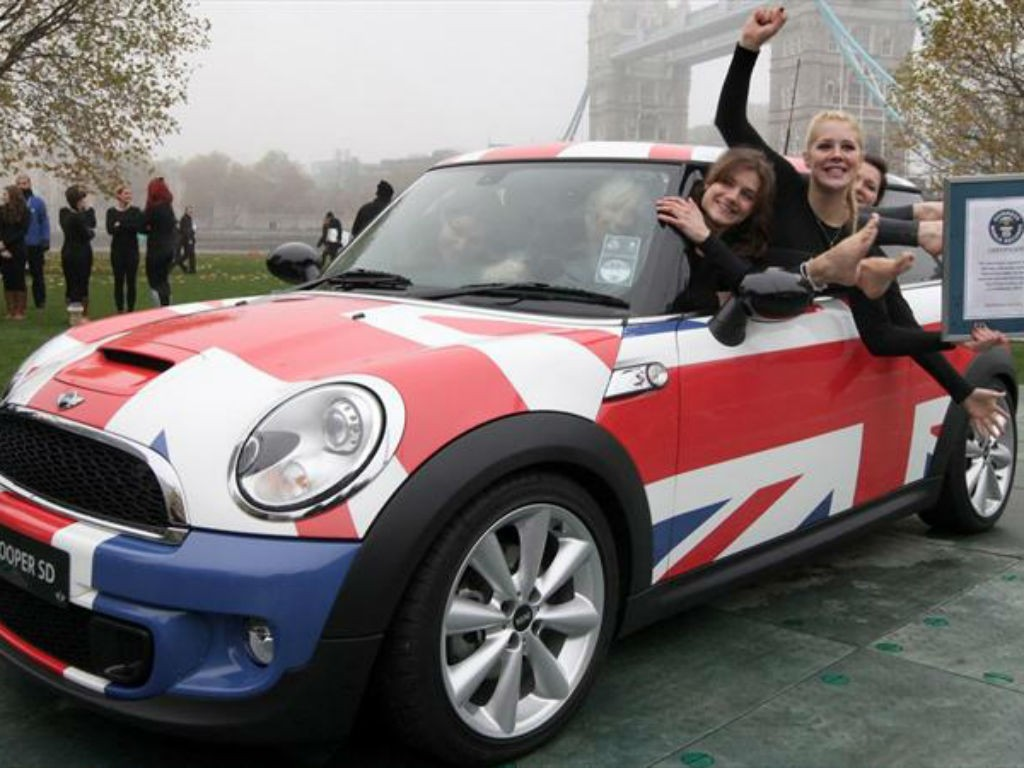 records guinnes de autos en mini cooper